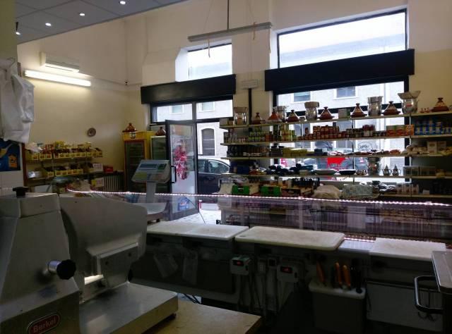 Borgo Roma – negozio fronte strada