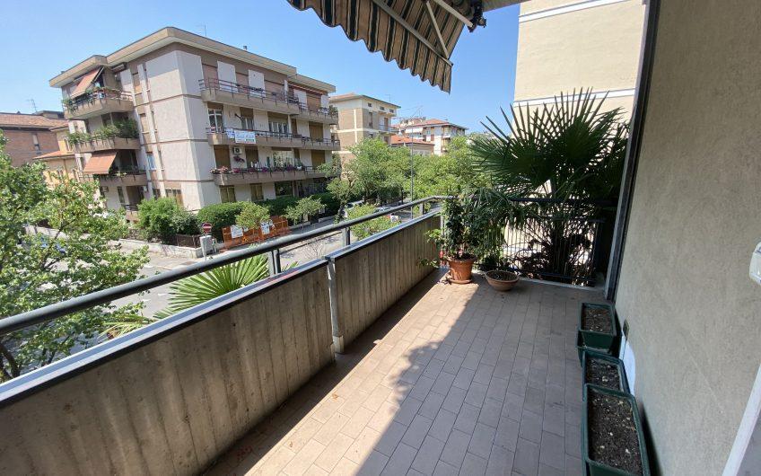 Borgo Trento quadrilocale con garage e terrazzi